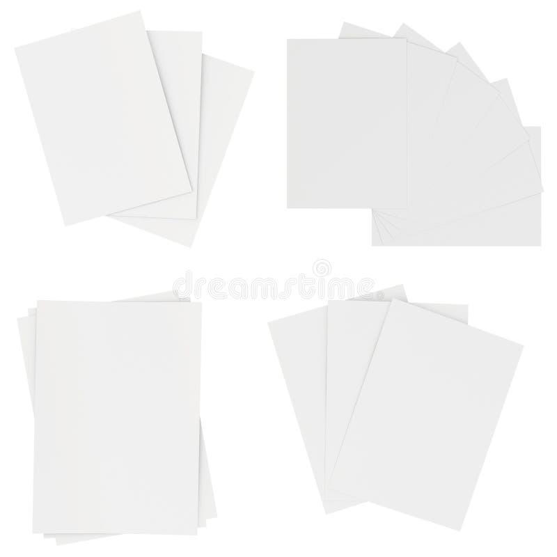 Hojas de papel blancas en blanco determinadas aisladas en fondo representación 3d stock de ilustración