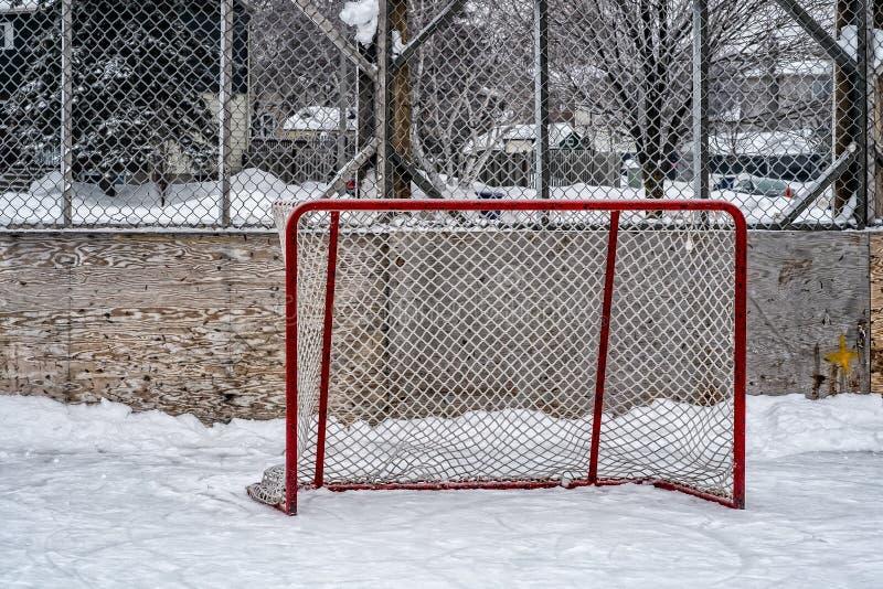 Hokejowi cele w plenerowym lodowisku zdjęcie royalty free