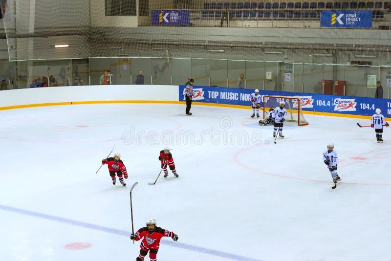 Hokejowy turniej wśród children&-x27; s drużyny obraz royalty free