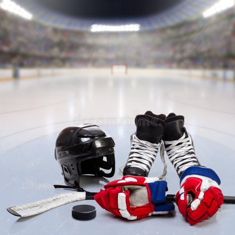 Hokejowy wyposażenie na lodzie Zatłoczona arena ilustracja wektor