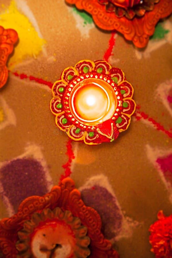 HOL indou de nouvelle année de divali d'hindouisme de diva de Rangoli photo libre de droits