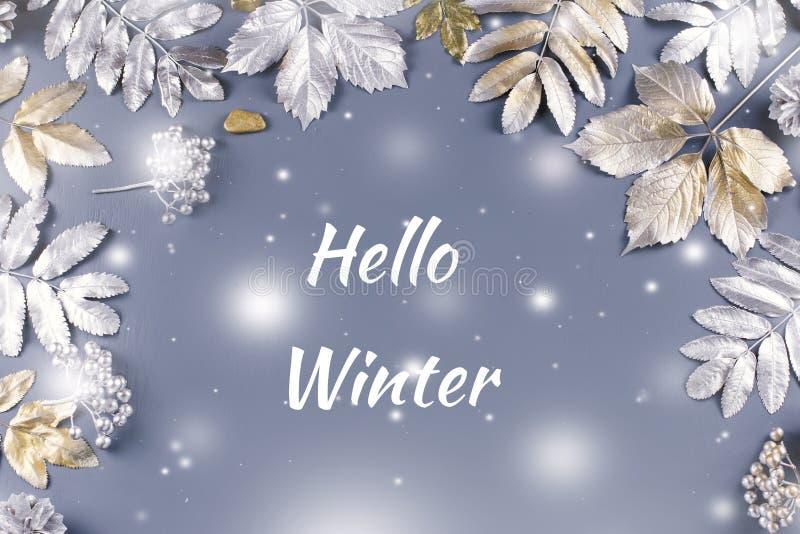 Hola tarjeta de felicitación del invierno con las hojas de oro y de plata con caer de la nieve ilustración del vector