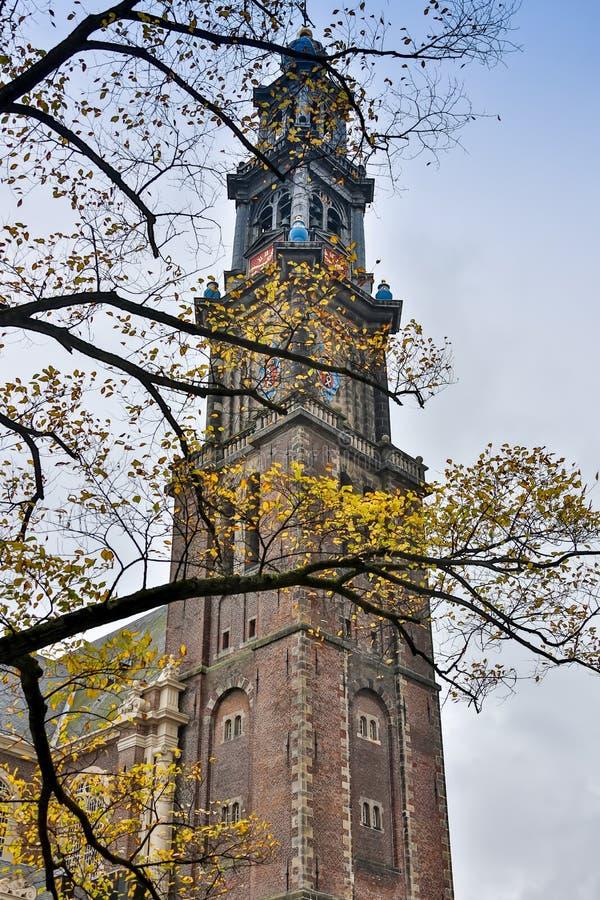 Holanda, Amsterdão, vista da fachada central da estação de trem fotos de stock royalty free