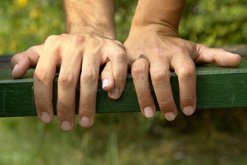 Holding-Hände stockfotos