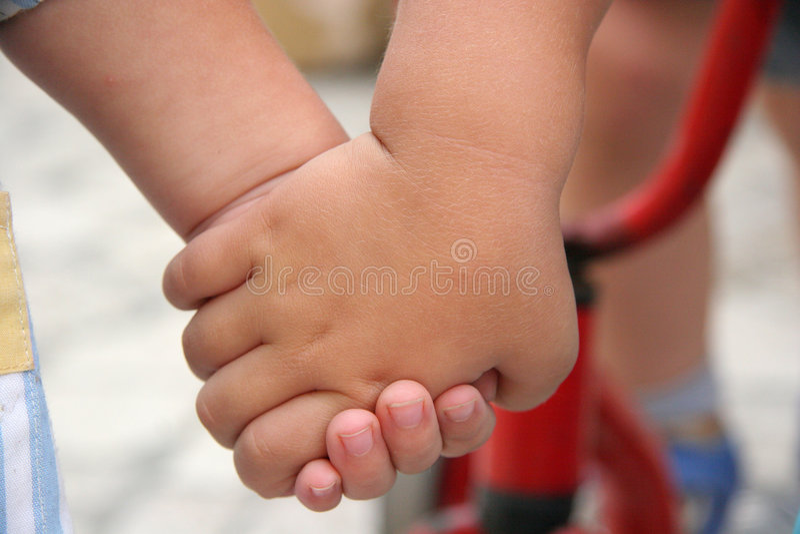 Holdinghände lizenzfreies stockbild
