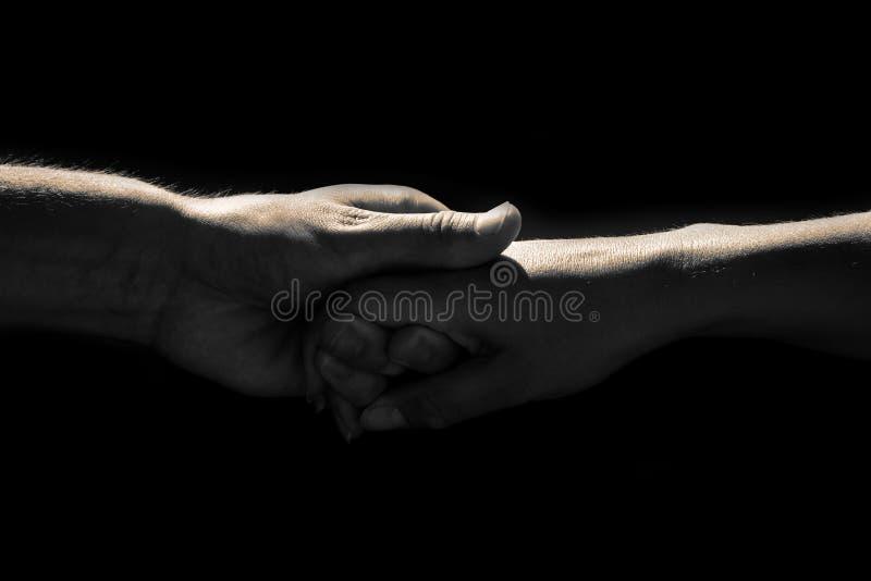 Holdinghände lizenzfreie stockfotografie