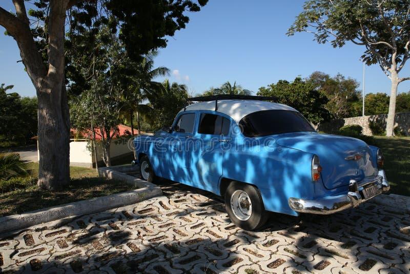 Holguin, Cuba, 11 24 2018 rilascio blu di Chevrolet della retro automobile 1953 fotografia stock