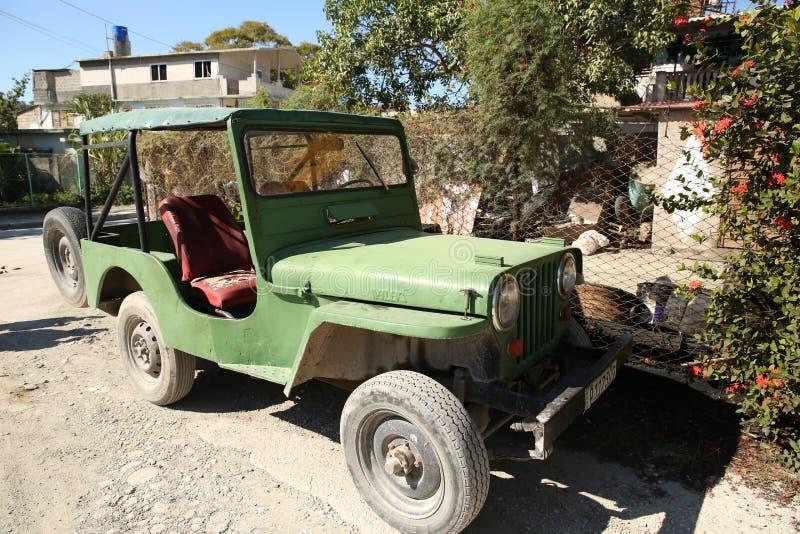 Holguin, Cuba, 11 24 2018 Véhicule militaire tous terrains d'armée américaine de Willys de la deuxième guerre mondiale M 606 images libres de droits