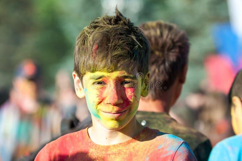 holi节日的青年人  库存图片