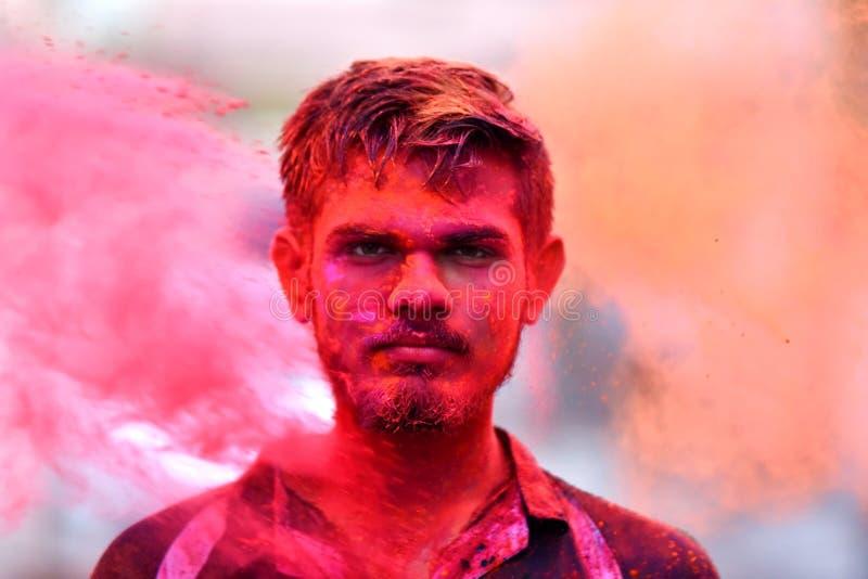 Holi den indiska festivalen är det festivalen för färgfestivalnjutning royaltyfri fotografi