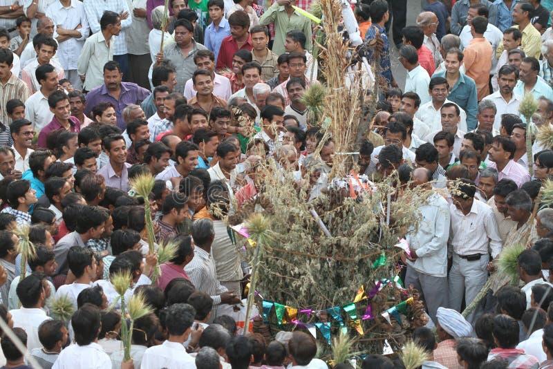 Holi festival i byn, Rajasthan Indien royaltyfri fotografi