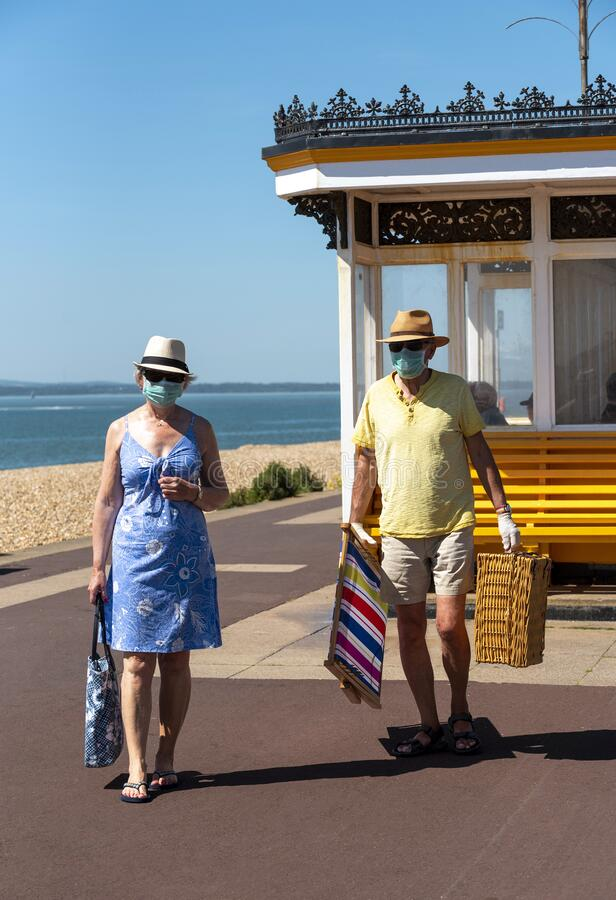 Free Holidaymakers Wearing Protective Masks During Covid-19 Outbreak Stock Photo - 185057180