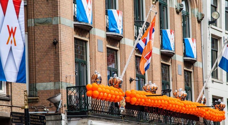 Holländareflaggor på Koninginnedag 2013 royaltyfri bild