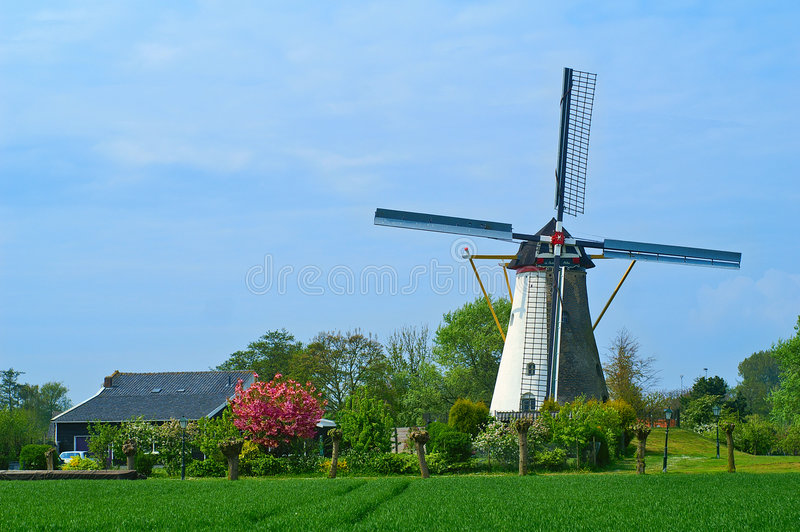 Holländische Windmühle in Colijnsplaat, Zeeland stockfotos