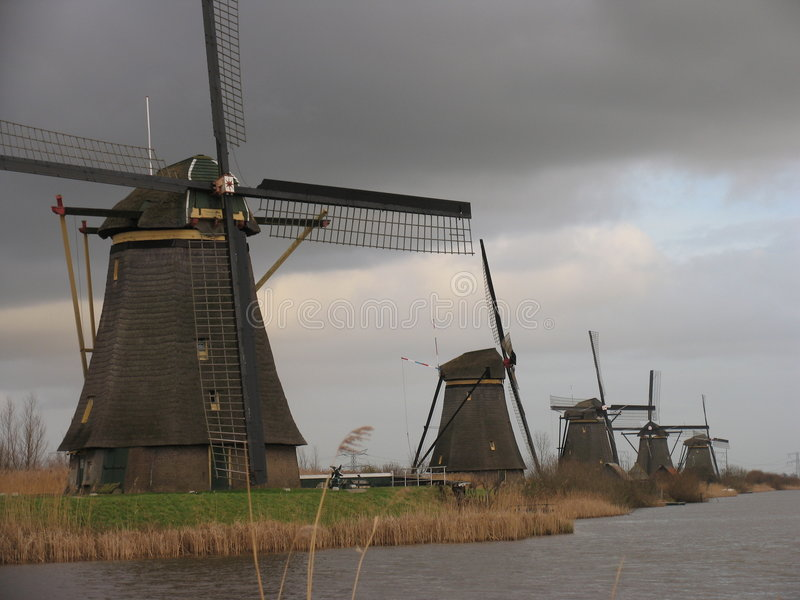 Holländische Windmühlen in Kinderdijk 1 stockfotos
