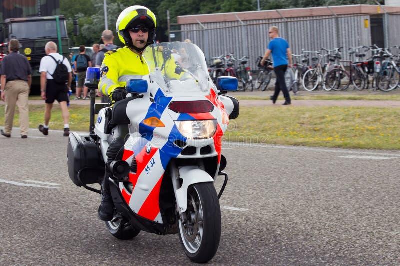Holländisches Polizeimotorrad lizenzfreie stockfotografie