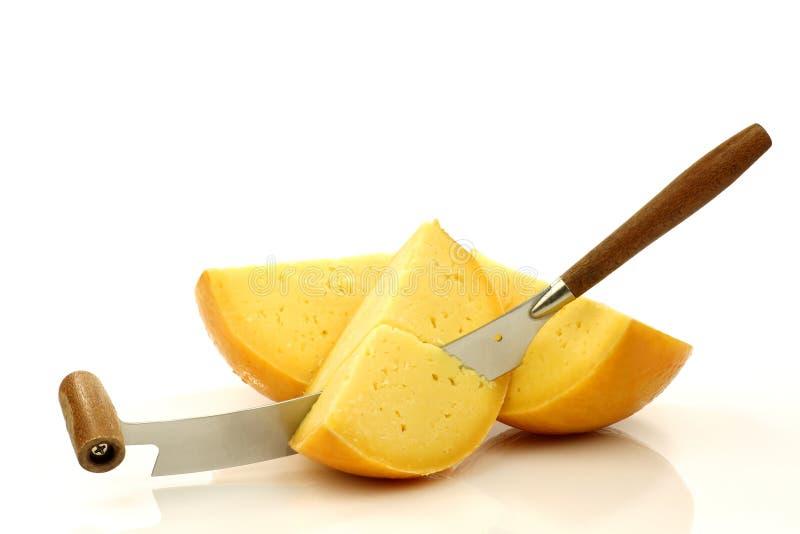 holländsk edamkniv för ost arkivbild