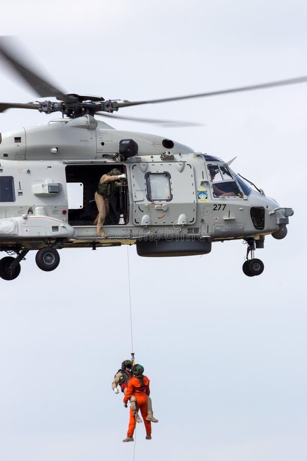Holländsk helikopterräddningsaktion för marin NH-90 arkivfoto