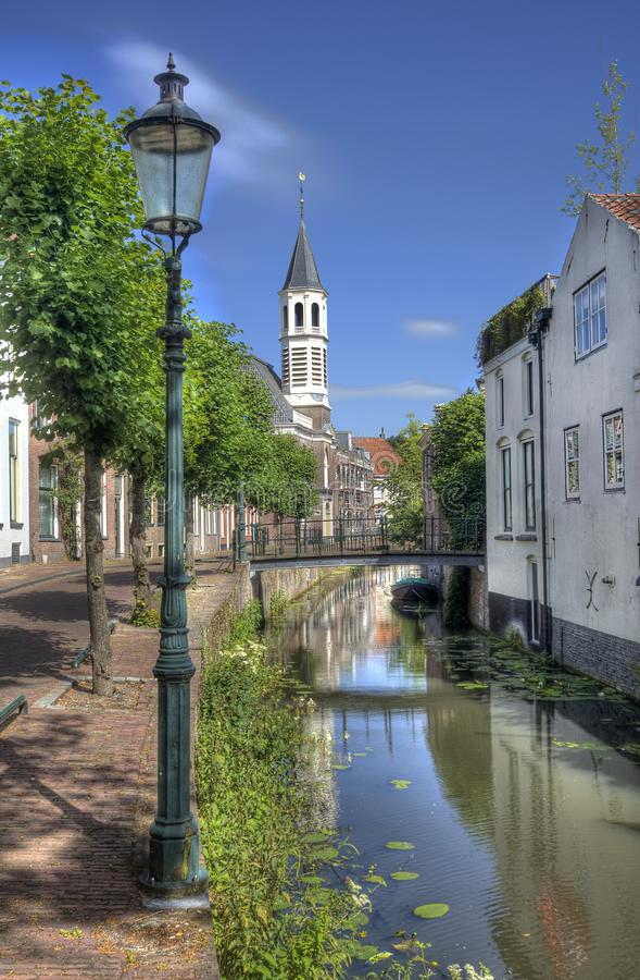 Holländsk kanal i Amersfoort arkivfoto