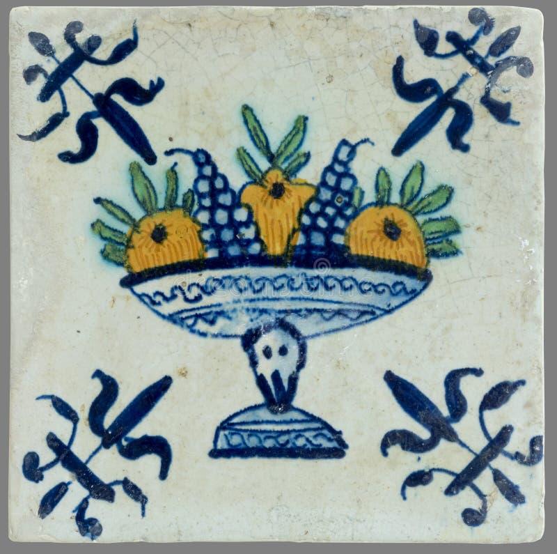 Holländsk tegelplatta från 16th till det 18th århundradet royaltyfri foto