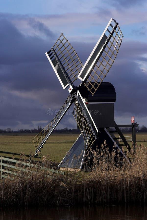 holländsk windmill arkivbild