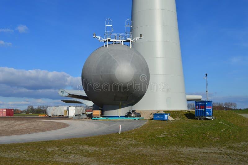 Holländska ecoväderkvarnar, Noordoostpolder, Nederländerna arkivbilder