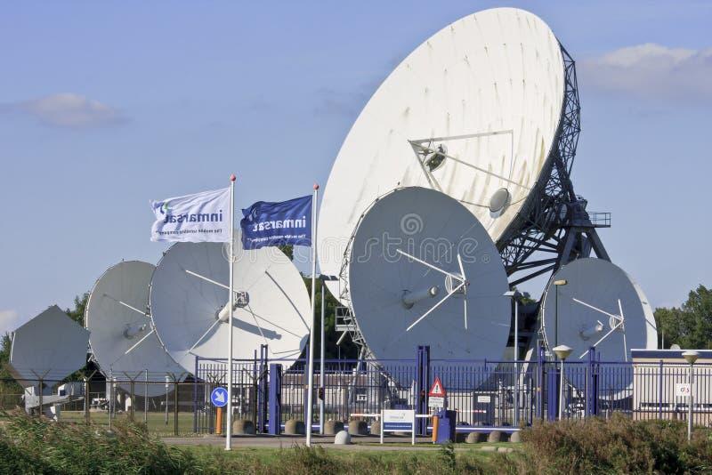 Holländska kommunikationssatelliter i Frysian Burum arkivbild