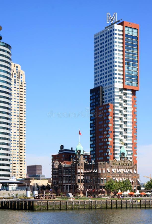 Holland-Amerika Lijn i holländsk stad av Rotterdam arkivfoto