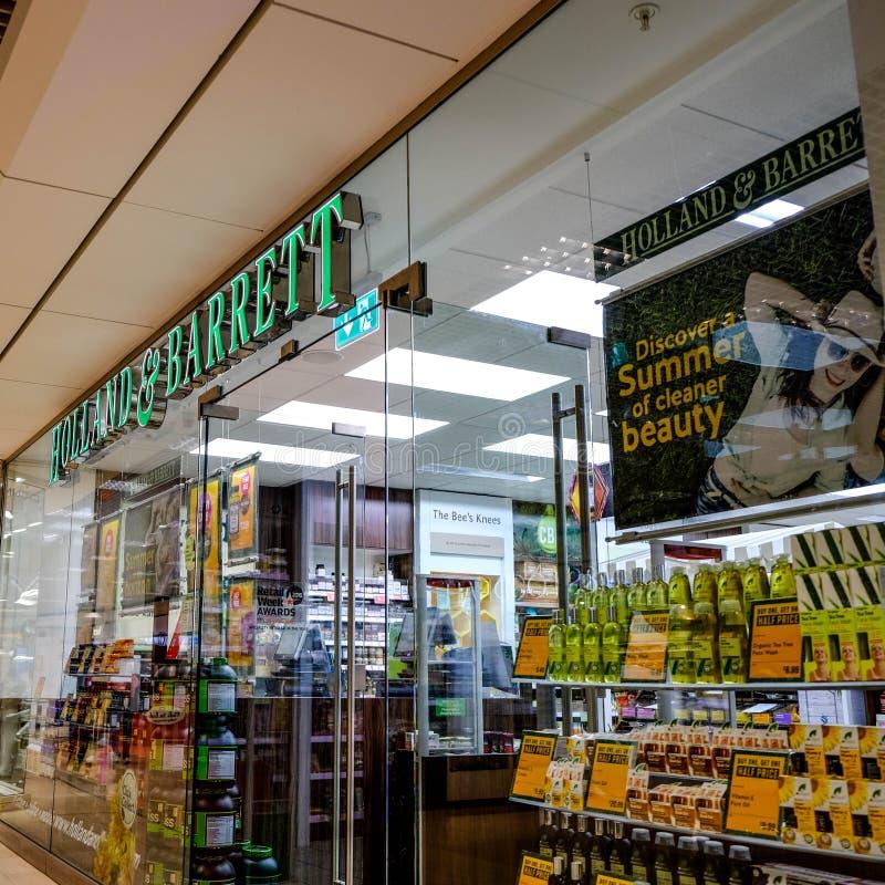 Holland And Barrett Health Food shoppar återförsäljnings- uttag arkivbild