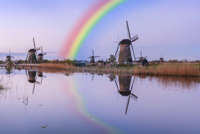 Holland Landscape avec des moulins ? vent photos libres de droits