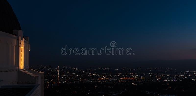 Hollywood alla notte da Griffith Observatory fotografie stock libere da diritti