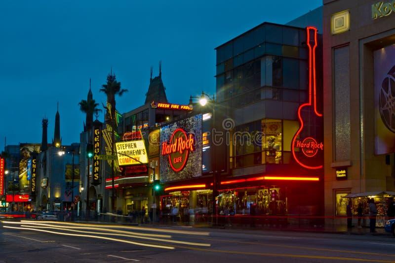 Hollywood Boulevard på natten royaltyfri foto