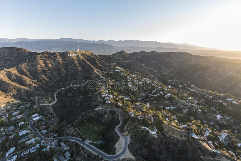 Hollywood Hills steuert Morgen-Antenne Los Angeles automatisch an stockfoto