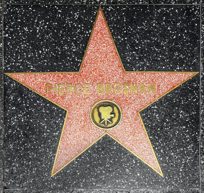 De acteur doordringt ster Brosnans op Gang Hollywood van Bekendheid royalty-vrije stock foto's