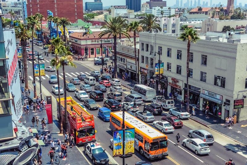 Hollywood/Los Angeles/California/USA - 07 19 2013 : Vue à partir du dessus au trafic de Bd. de Hollywood image libre de droits