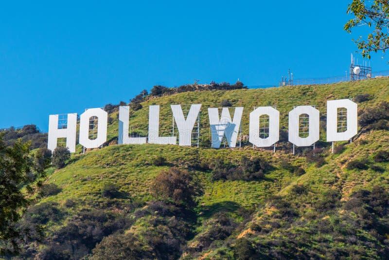 Hollywood undertecknar in kullarna av Hollywood - Kalifornien, USA - mars 18, 2019 fotografering för bildbyråer