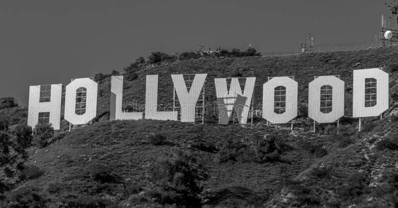 Hollywood undertecknar in kullarna av Hollywood - Kalifornien, USA - mars 18, 2019 royaltyfri foto