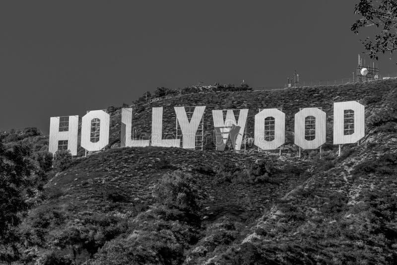 Hollywood undertecknar in kullarna av Hollywood - Kalifornien, USA - mars 18, 2019 arkivbilder