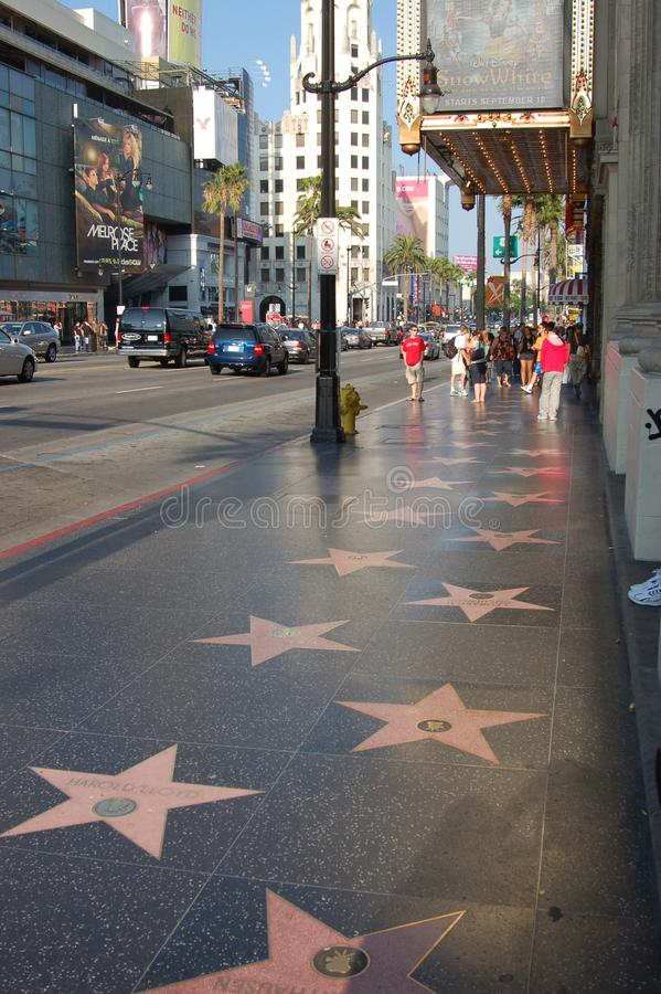 Hollywood: vista de la caminata de la fama fotos de archivo