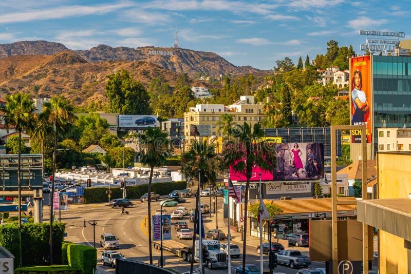 Hollywood wzgórza, ruch drogowy i pedestrians, Hollywood bulwar, Los Angeles obraz royalty free