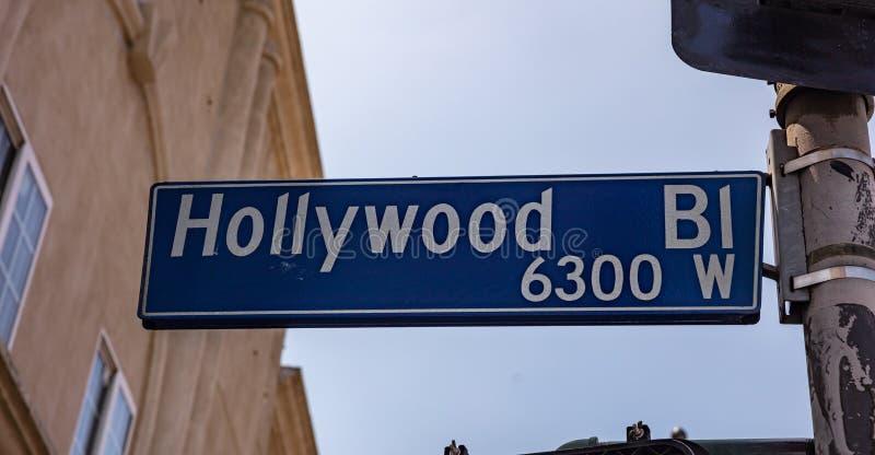 Hollywoodbl La, Californi?, de V.S. Blauwe weg sig, blauwe hemelachtergrond royalty-vrije stock fotografie