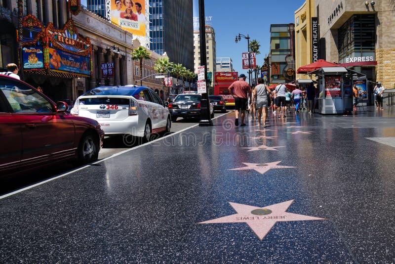Hollywoodgang van bekendheidsmarmer met roze ster stock afbeeldingen