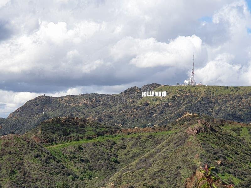 Hollywoodteken van Griffith Observatory in Los Angeles stock foto