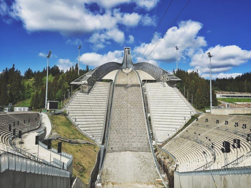 Holmenkollen Ski Jump Tower lizenzfreie stockbilder