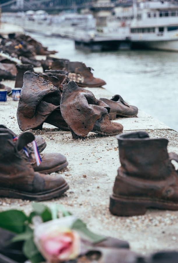 Holocaust in Europa Schoenen op de Dijk van Donau in Boedapest royalty-vrije stock foto's