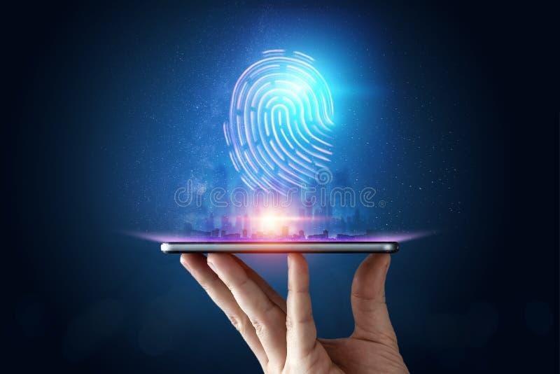 Hologramfingeravtryck, fingeravtryckbildläsning på en smartphone, blå bakgrund som är ultraviolett begrepp av fingeravtrycket, bi arkivfoton