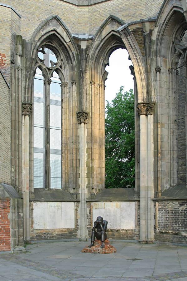 Holokausta pomnik, ocalały, żal, świętego Nicholas kościół, Hamburg, niemiec obraz royalty free