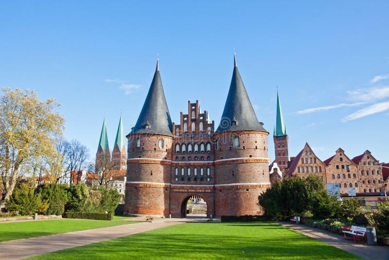Holstenpoort in de oude stad van Lübeck, Duitsland stock foto