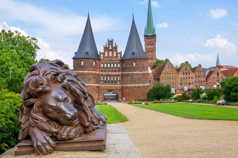 Holstentor. Lubeque, Alemanha fotos de stock royalty free