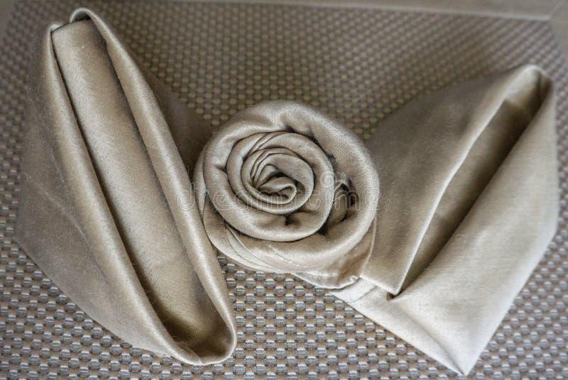 holyday特别党的事件或庆祝的发光的金黄三不同原始的美好的欢乐餐巾可折叠 库存照片
